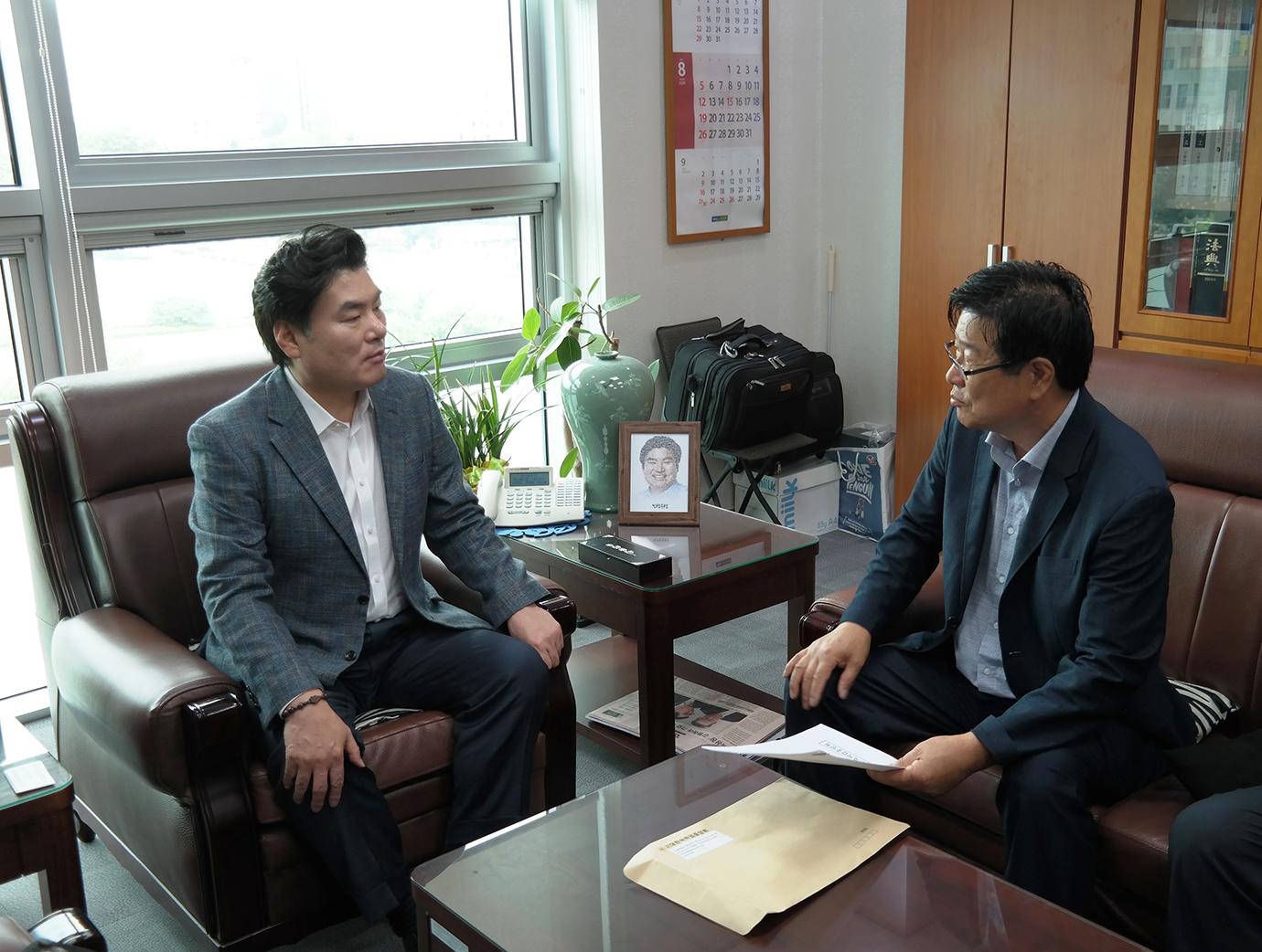 자유한국당 원유철 국회의원(경기 평택시갑, 5선) 면담SAM_4480 (5).JPG